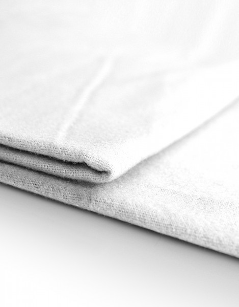 Dekomolton 165g/m² weiß B1 130cm breit