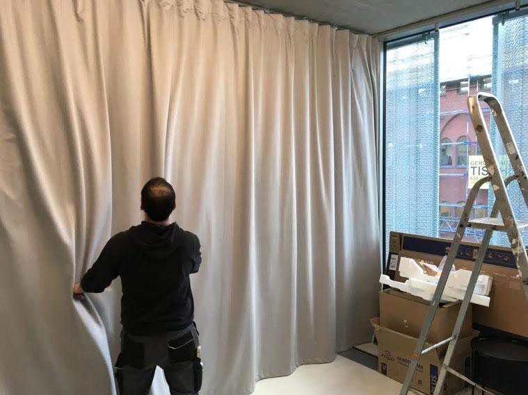 trennvorhang-office-buero-schallschutz-akustikvorhang